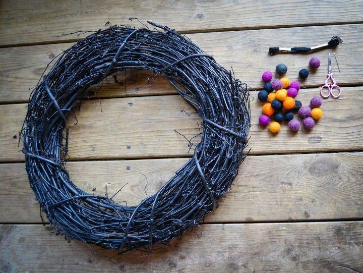 easy halloween wreath, crafts, halloween decorations, seasonal holiday decor, wreaths