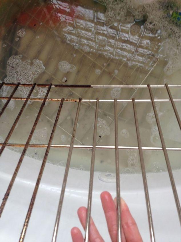 How to Clean Oven Racks (In the Bathtub)! | Hometalk