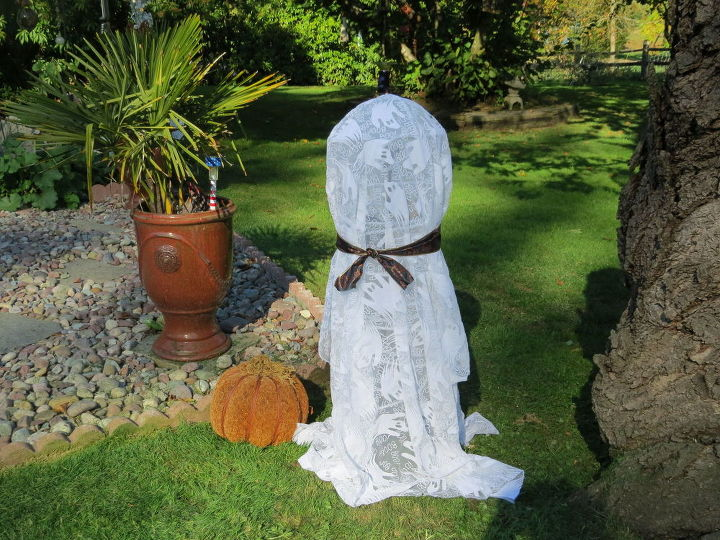 fun fast and easy solar halloween ghost, crafts, diy, halloween decorations, repurposing upcycling, seasonal holiday decor