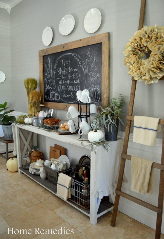 Rustic Dining Room Shelf Decor