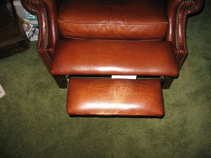 Pleasant Two Chairs Failing Is There A Paint On Fix For Leather Or Ibusinesslaw Wood Chair Design Ideas Ibusinesslaworg