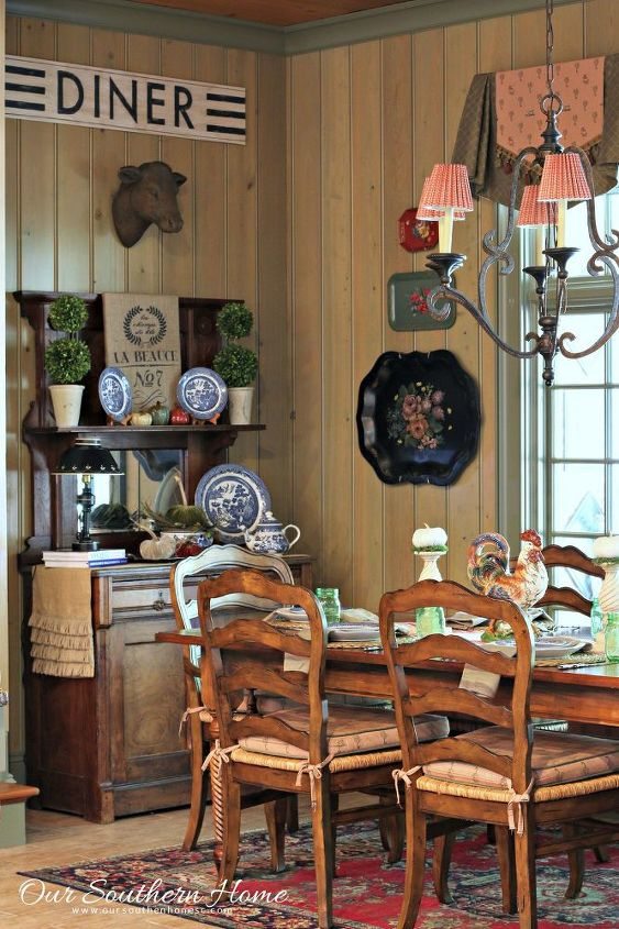 easy burlap wall art, crafts, home decor, seasonal holiday decor, wall decor