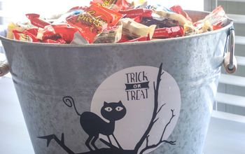Easy to Make Halloween Candy Bucket (Free SVG!) #Halloween