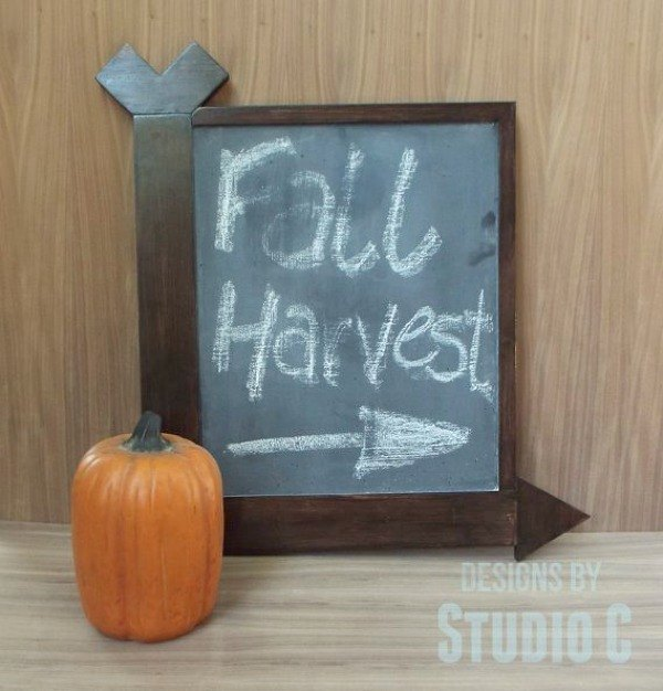 s here s how insanely creative people get ready for holiday guests, home decor, seasonal holiday decor, woodworking projects, Arrow Chalkboard