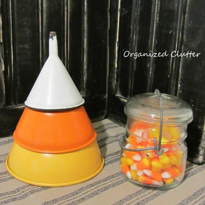 s 9 easy decor ideas inspired by delicious candy corn, seasonal holiday decor, wreaths, Appetizing Antique Display
