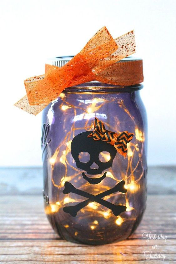 glowing halloween mason jar, halloween decorations, mason jars, seasonal holiday decor