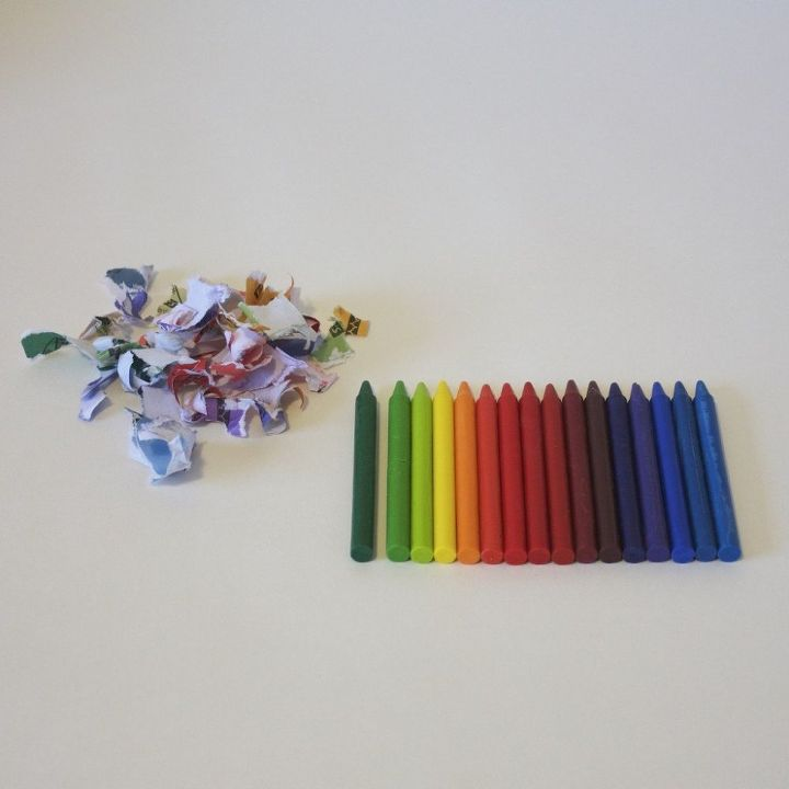Prepare the crayons