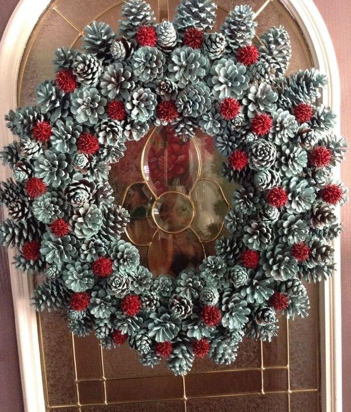 pine cone wreath, crafts, seasonal holiday decor, wreaths