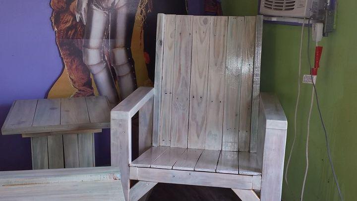 i spit all over this pallet furniture spitchallenge, painted furniture, pallet