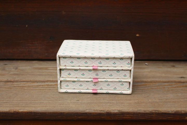 jewelry box turned into a recipe box how to paint upholstered fabric, crafts, repurposing upcycling