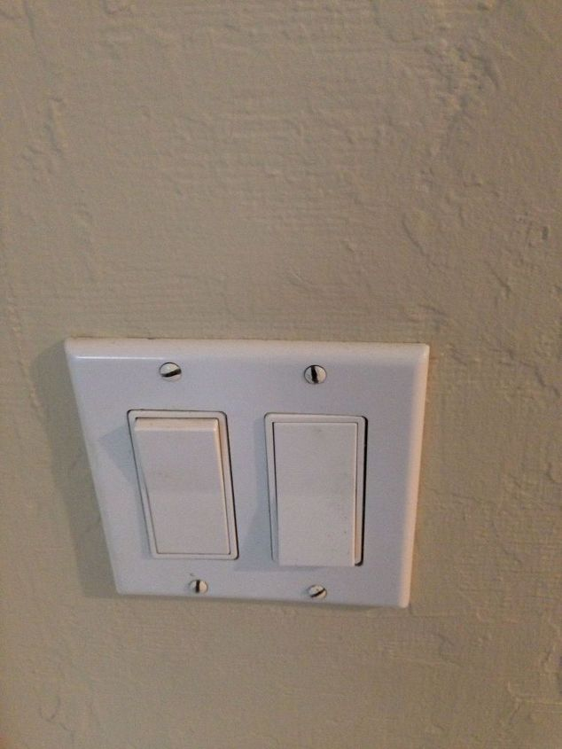 q reversed operation of an electrical switch, electrical, home maintenance repairs, minor home repair, Faceplate with 2 switches