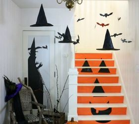 Wallace house halloween decor