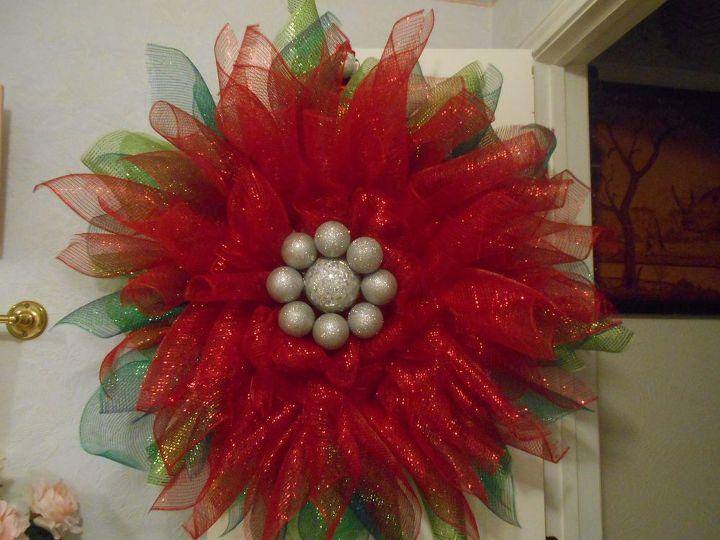 christmas wreath, christmas decorations, crafts, seasonal holiday decor, wreaths