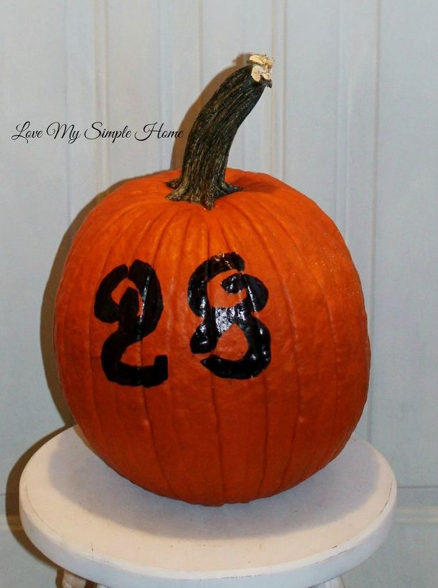 Simple Way To Decorate Your Pumpkin For Halloween Hometalk - Use-pumpkins-to-decorate-your-house-for-halloween