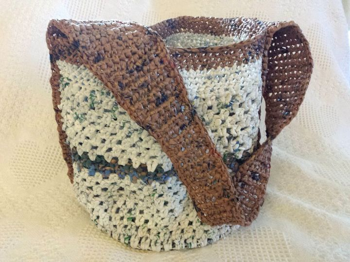 Plarn bag with round bottom