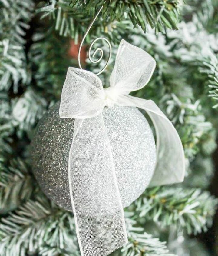 sparkling glitter ornaments, christmas decorations, crafts, how to, seasonal holiday decor