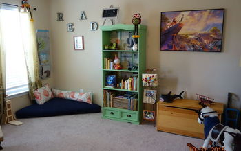 Play Room/Reading Nook With Pallet Seat #30dayflip