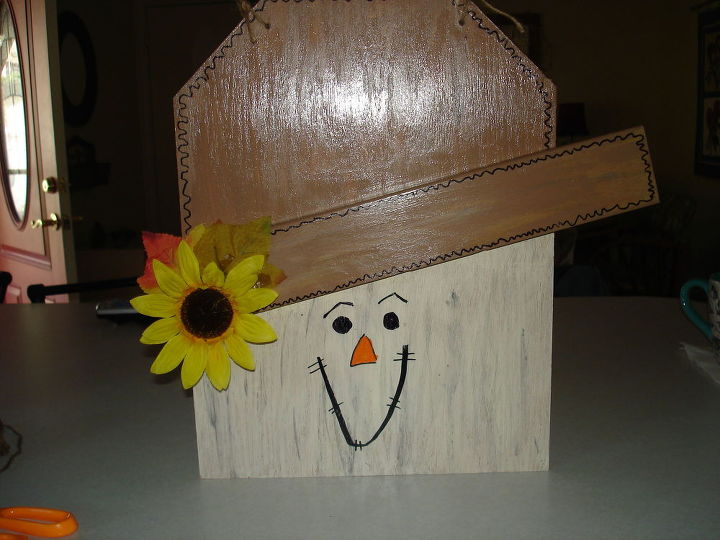 q how to make a hanging wooden snowman christmas decoration, christmas decorations, crafts, how to