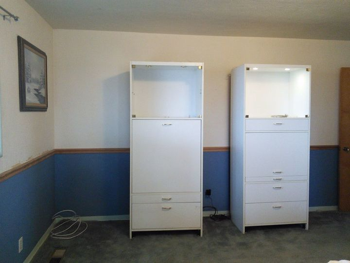 q how would you design this craft area, craft rooms, home decor, Showing the craft area with the cabinets closed