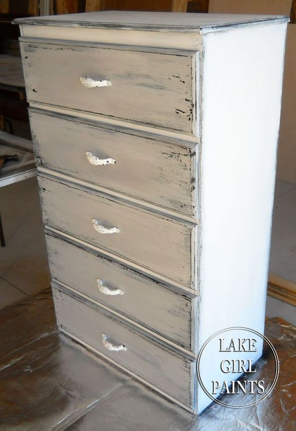 Get The Gray And White Chippy Look On Your Old Furniture Hometalk - Trendy painted furniture
