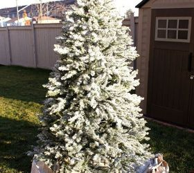 How to Flock Your Christmas Tree | Hometalk