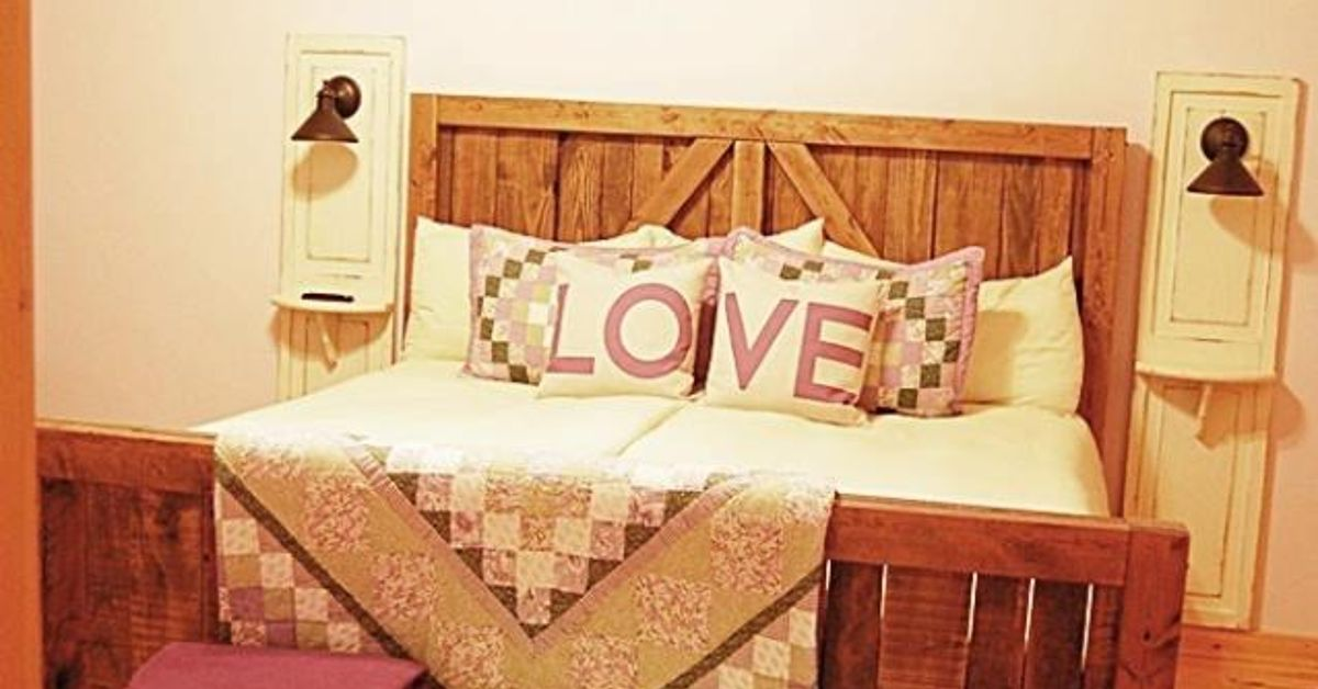Pallet Wood Up-cycled Into One Heavy Duty Barn Door Bed! | Hometalk