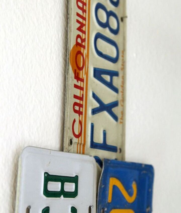 christmas tree from old license plates, christmas decorations, crafts, repurposing upcycling