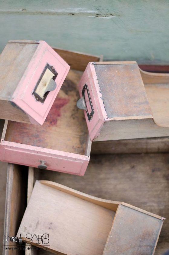vintage junk creates fall decor, repurposing upcycling, seasonal holiday decor