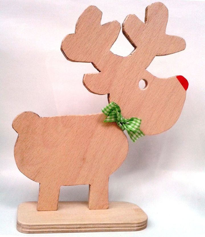 Rudi reindeer christmas decoration scrap wood hometalk - Scrap wood decorated house ...
