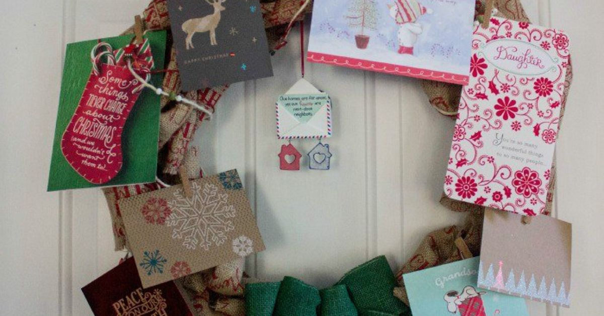 Easy Burlap Wreath Christmas Card Holder | Hometalk