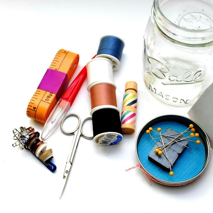 mending kit in a mason jar, crafts, mason jars