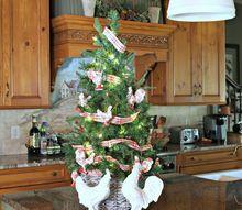 thrift store christmas tree basket, chalk paint, christmas decorations, crafts, seasonal holiday decor