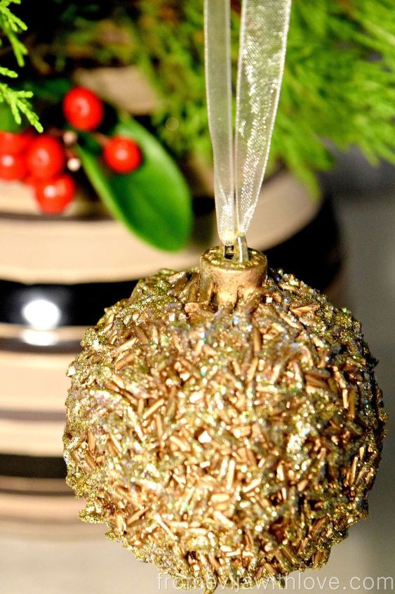 diy christmas ornament christmasornament, christmas decorations, crafts, repurposing upcycling, seasonal holiday decor