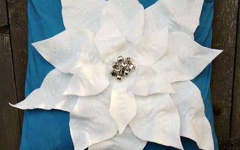 Poinsettia Pillow #Christmas