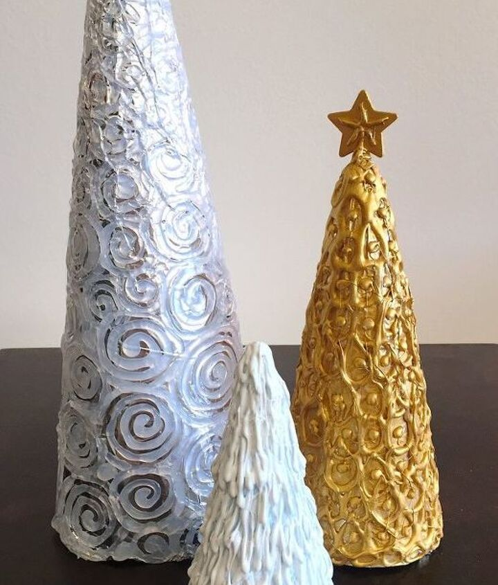 hot glue christmas trees, christmas decorations, crafts, seasonal holiday decor