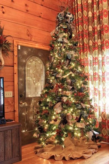how to decorate a christmas tree with ribbon, christmas decorations, crafts, seasonal holiday