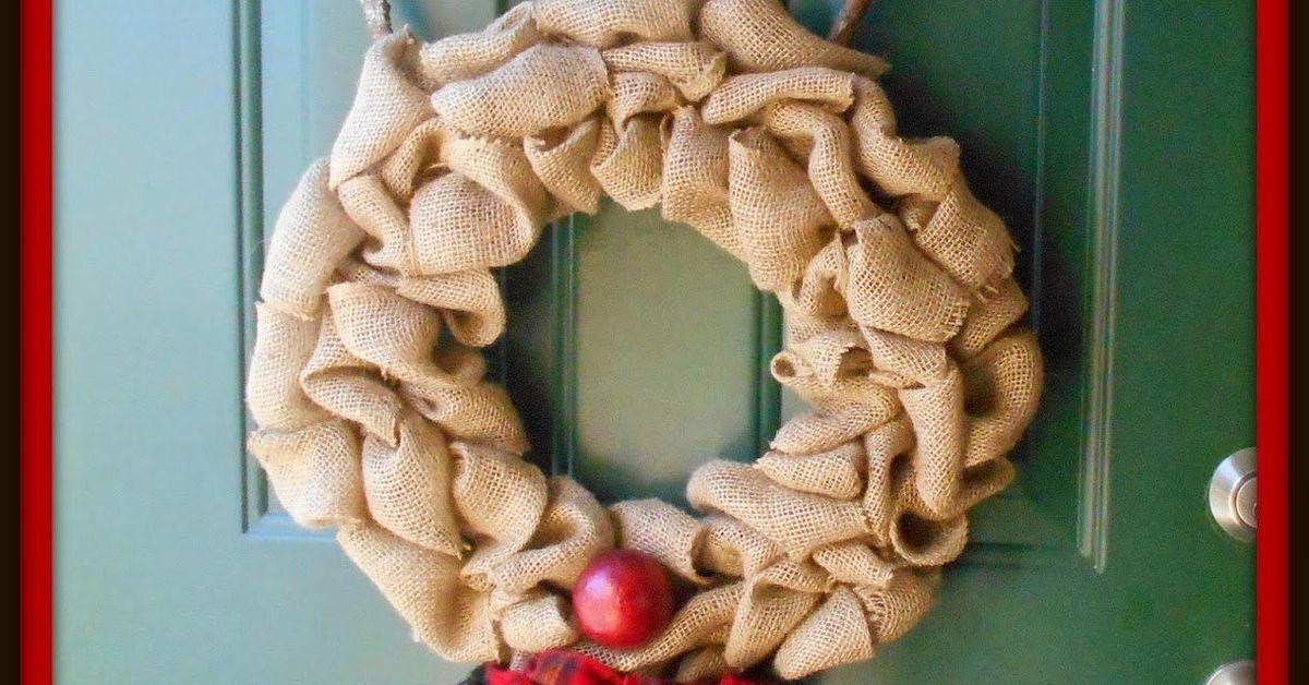 Diy Rustic Rudolph Burlap Reindeer Wreath Hometalk