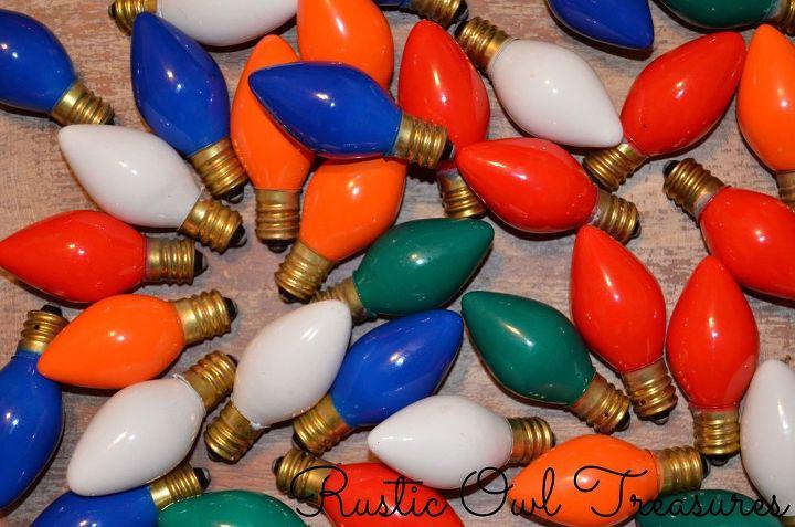 vintage christmas lights turned into ornaments, christmas decorations, repurposing upcycling, seasonal holiday decor