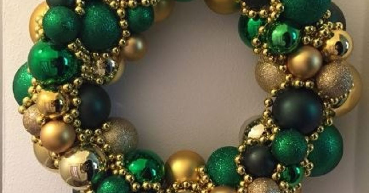 christmas ball wreath hometalk - Christmas Ball Wreath