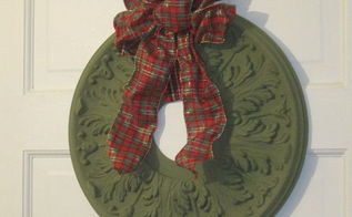 repurposed ceiling medallion wreath, christmas decorations, crafts, seasonal holiday decor, wall decor, wreaths
