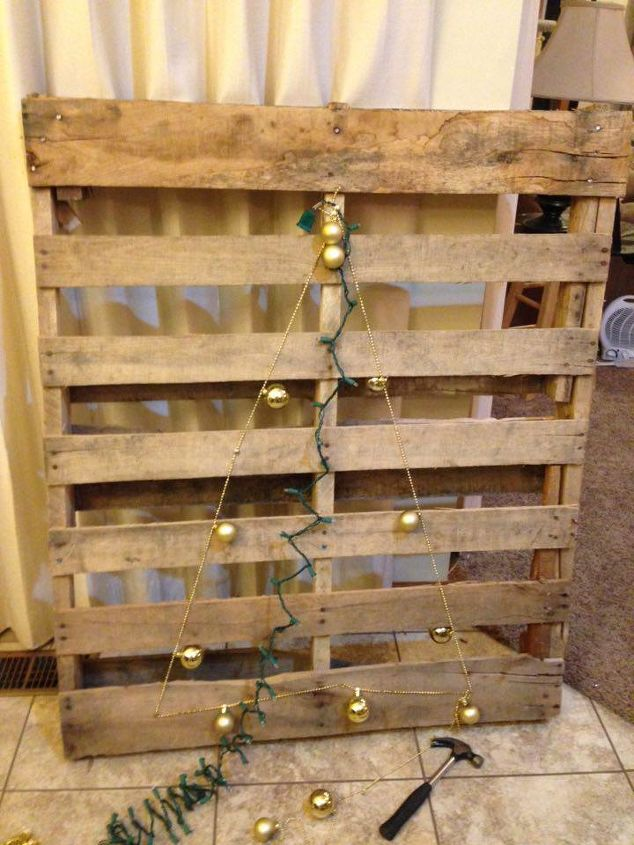 christmas tree pallet christmas decorations crafts pallet