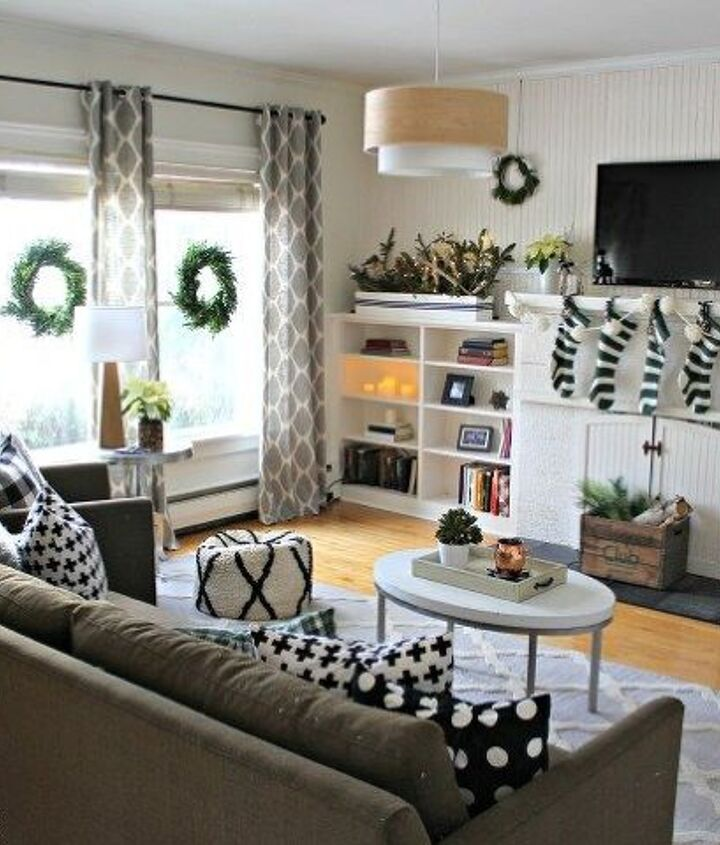 black white and green modern christmas home tour, christmas decorations, home decor, seasonal holiday decor