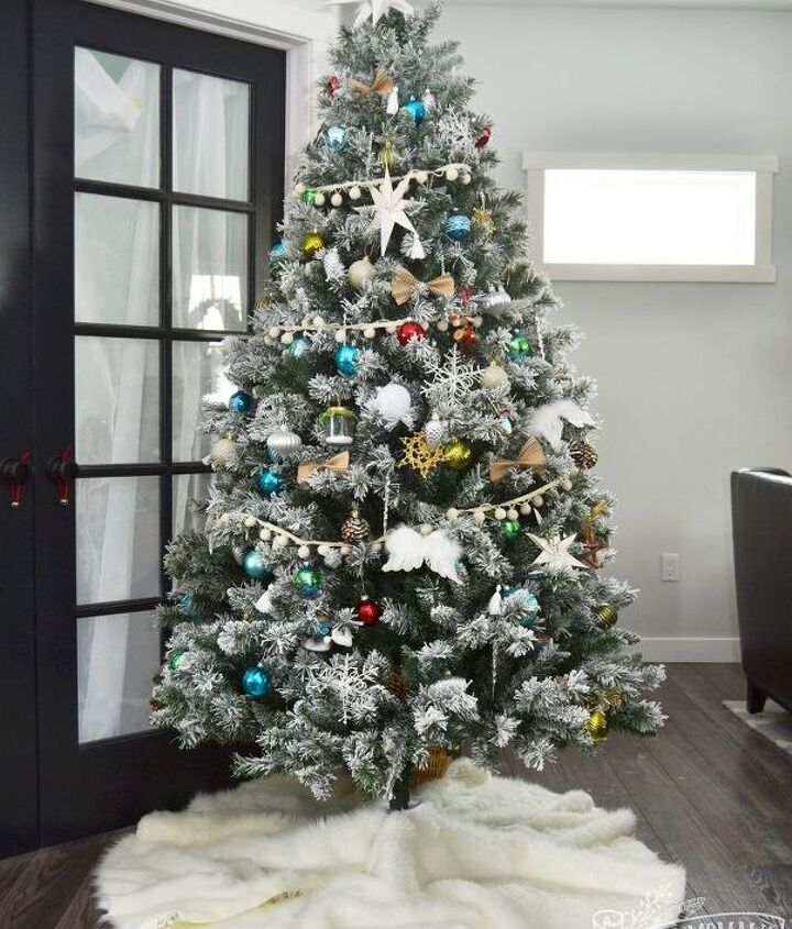 diy no sew faux fur christmas tree skirt, christmas decorations, crafts, seasonal holiday decor
