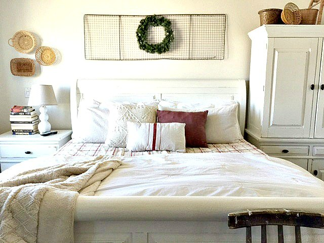 5 elements to add for a simple christmas bedroom, bedroom ideas, christmas decorations, seasonal holiday decor