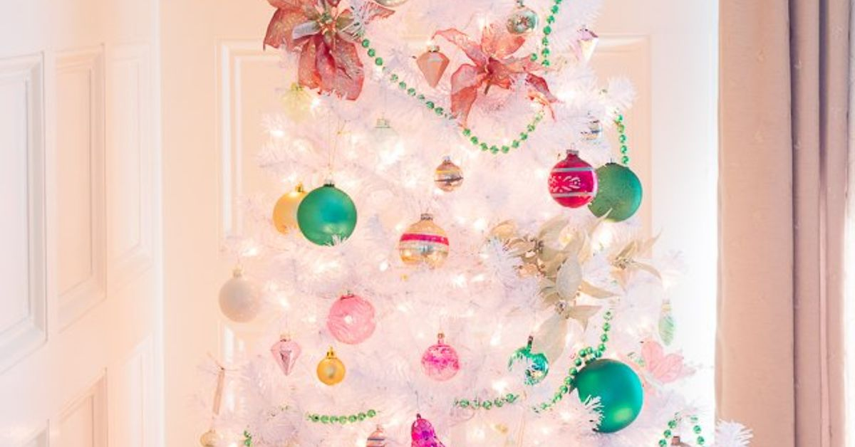Preppy Pink & Green Christmas Tree With Vintage Shiny