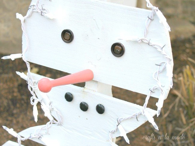 how to make a wood pallet snowman, christmas decorations, how to, pallet, seasonal holiday decor, woodworking projects