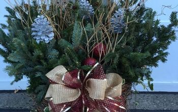 christmas planter, christmas decorations, gardening, seasonal holiday decor