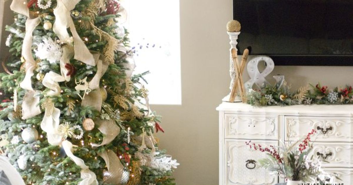 woodsy glam succulent christmas hometalk - Woodsy Christmas Tree Decorations