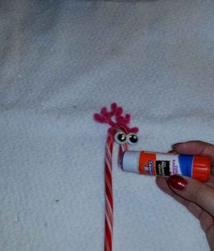 candy cane reindeeer, christmas decorations, crafts, seasonal holiday decor