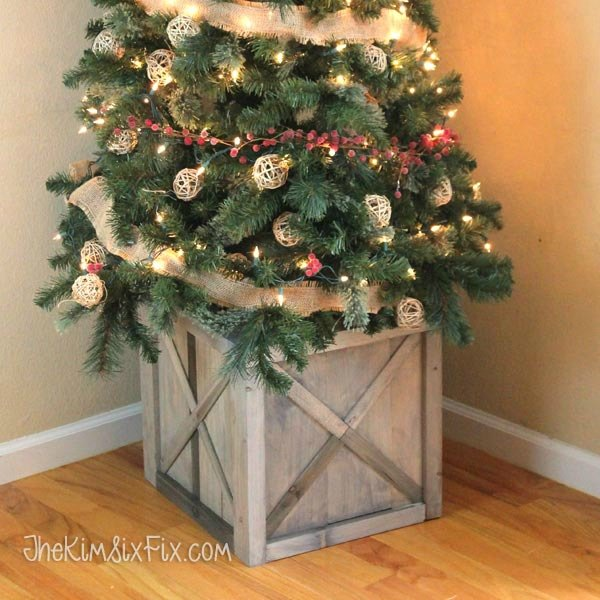 Christmas Tree Stand That Turns: 7 Brilliant Ways To Avoid A Fallen Christmas Tree